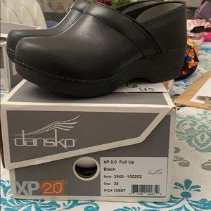 Dansko XP 2.0 black size 36